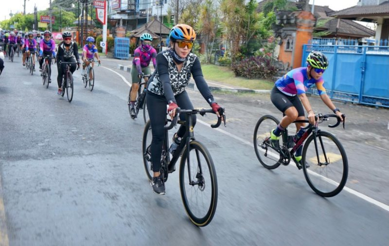 IA Selly Mantra Ikuti Gowes WCC 1.000 KM for Bali Pulih